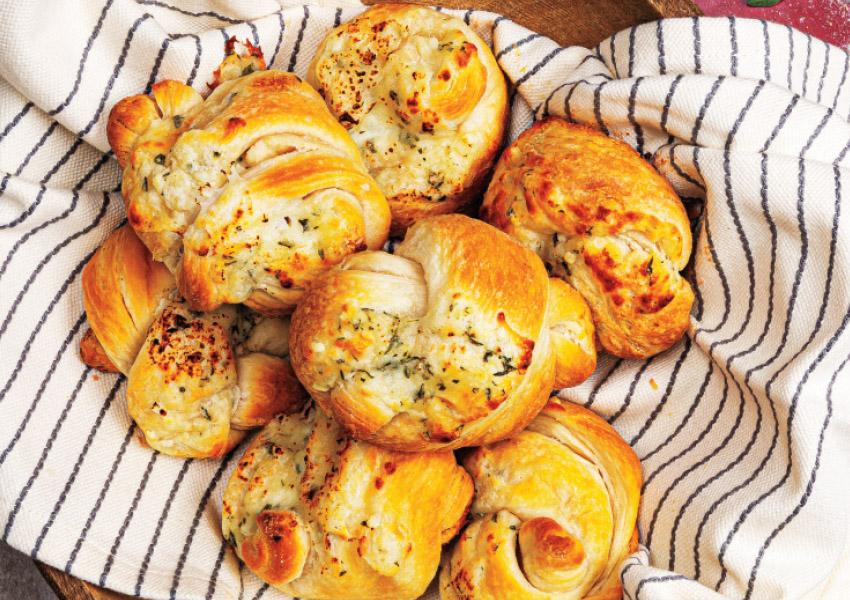 Cheesy Garlic Knots